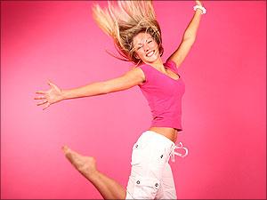 Meisje springt van vreugde