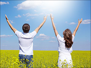 man en vrouw bidden